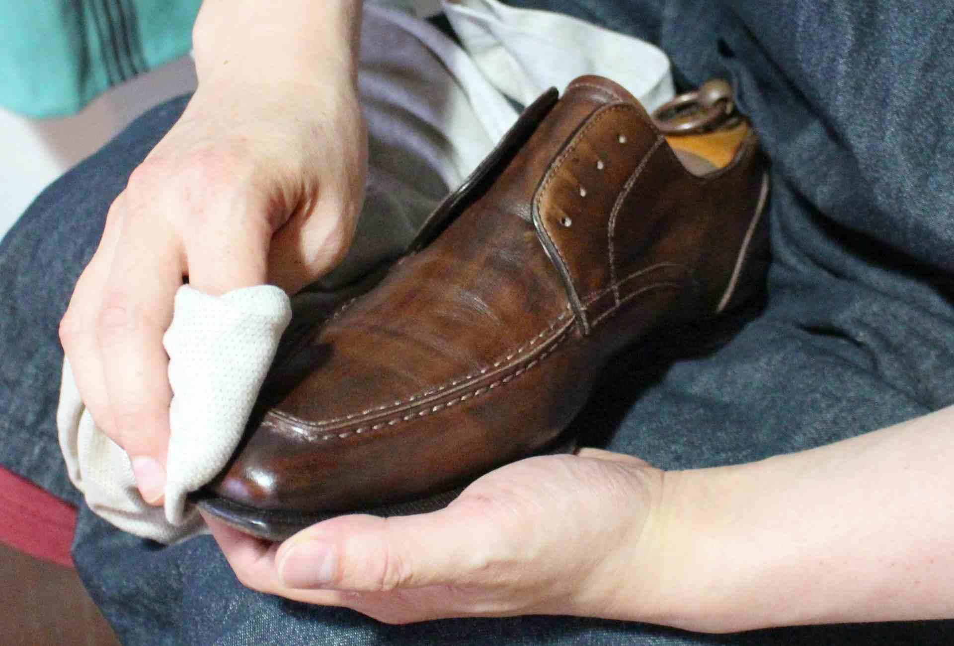 靴がきつい時に伸ばす対処法!なじむまでの時間?修理は業者が